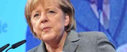 """Imagen-Merkel: """"Google y Facebook deben informar sobre sus vinculos con servicios secretos"""""""